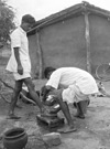 Feet washing service, Chamrahi, Bihar, India, 1958 https://commons.wikimedia.org/wiki/File:Feet_washing_service,_Chamrahi,_Bihar,_India,_1958_(16791125790).jpg?uselang=de
