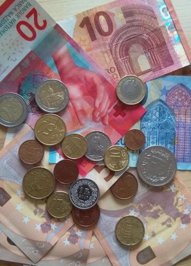 Münzen und Scheine © Tobias Grimbacher
